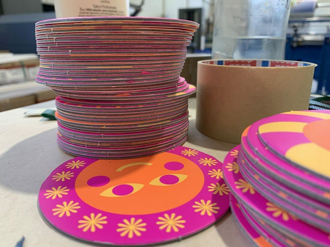 I sottobicchieri Smile Collection di Hoppípolla in tre pantoni colore