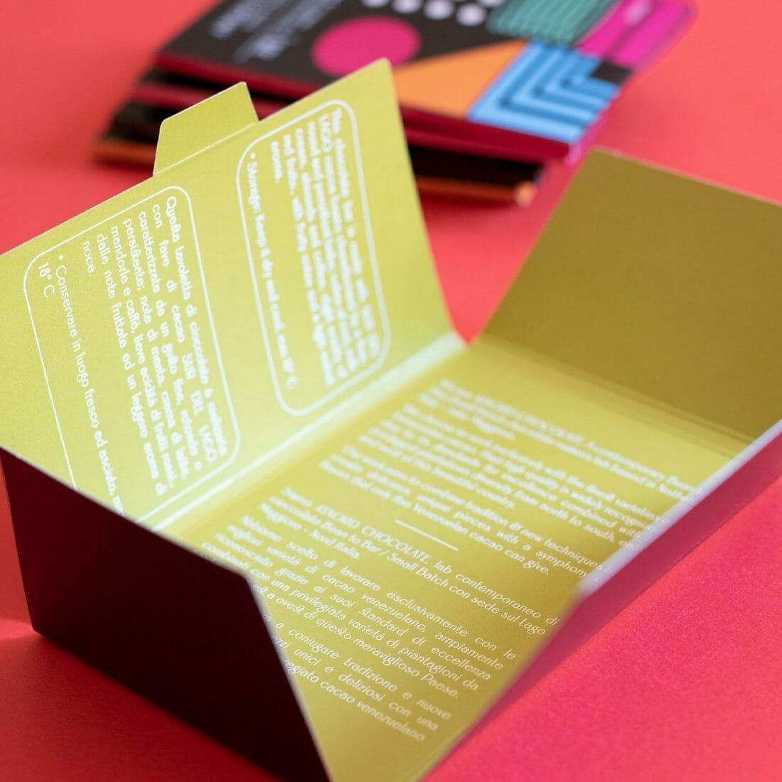 Il packaging delle tavolette di cioccolata 45Nord Chocolate